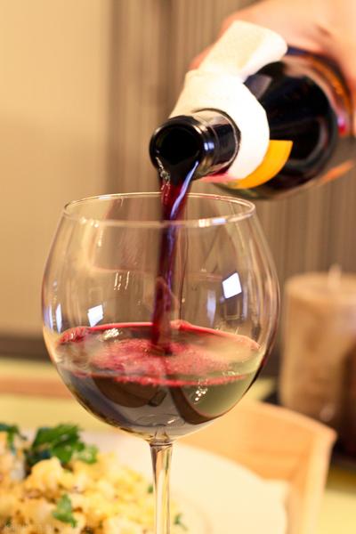 drinks wine  Шато Тамань Молодое, Кубань Вино, 2011, Краснодарский край, Россия