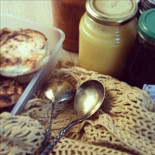 food foto beautiful food  Про варенье, икру и большую сковородку