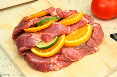 main course meat  Свинина с апельсином, лаймом и шалфеем Шалфей Свинина Лайм Апельсины