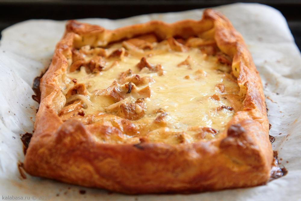 пирог с лисичками и сыром