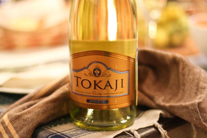 drinks wine  Об игристом. Tokaji Doux, Венгрия